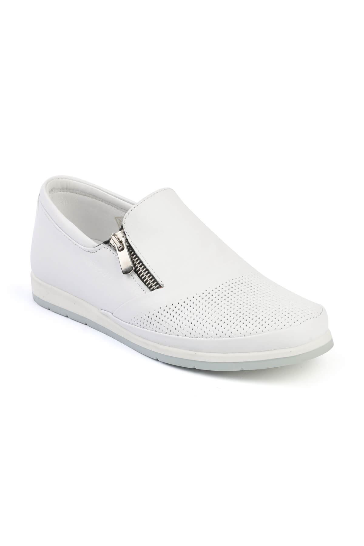 Libero FMS202 White Casual Shoes